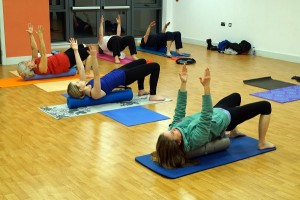 BraveBodies Pilates class in Southampton, Bursledon, Tuesdays 7pm, shoulder bridge