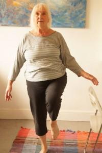 SuppleSilver_Yvonne_chair_leg lift